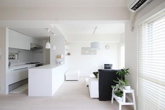 白を基調としたきれいな部屋