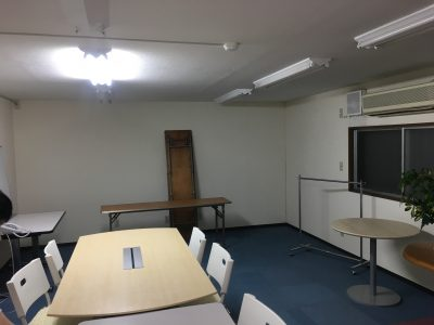 セントサービス会議室DIY前